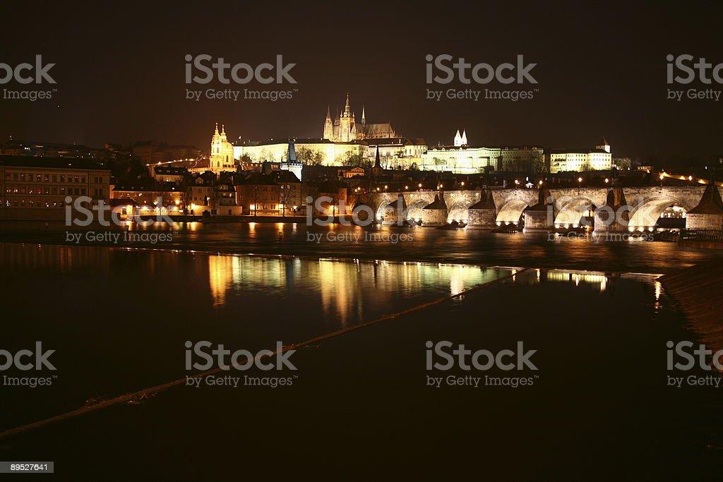 Karlsbrücke und dem Schloss von Prag, Tschechische Republik Lizenzfreies stock-foto
