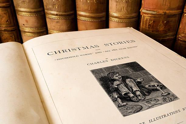 charles dickens-weihnachten-geschichten - charles dickens weihnachtsgeschichte stock-fotos und bilder