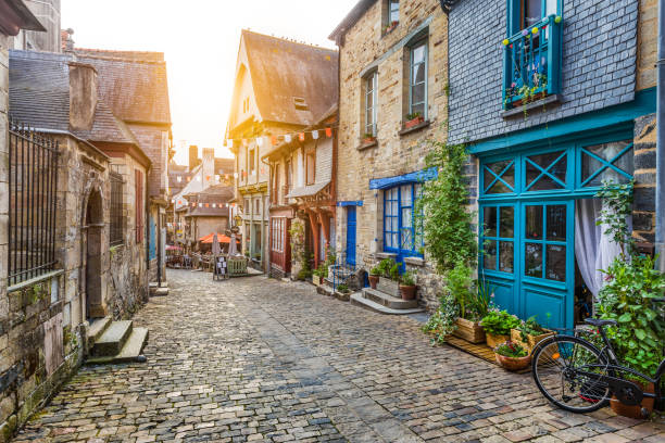 Charming street scene in an old town in Europe at sunset - foto stock