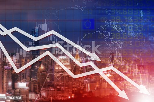 1014755036 istock photo Chart businesses falling 1127501305
