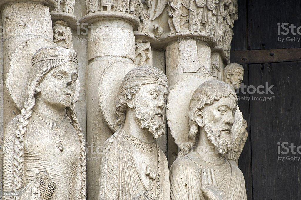 Chartres (cattedrale)-Francia esterno, statue primo piano foto stock royalty-free