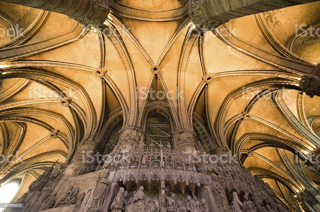 Chartres El Techo Interior De Catedral Gotico Foto De Stock Y Mas