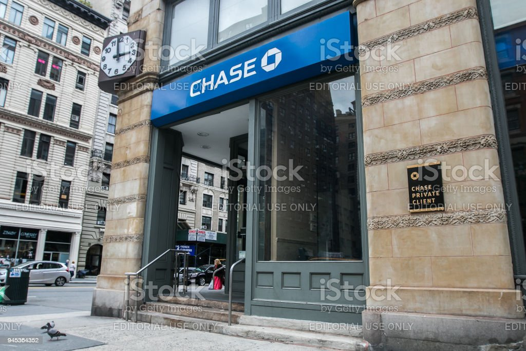 Chase Bank Stock Photo More Pictures Of Bank Istock