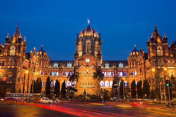 chatrapati shivaji terminus earlier known as victoria terminus in mumbai - bombaim - fotografias e filmes do acervo