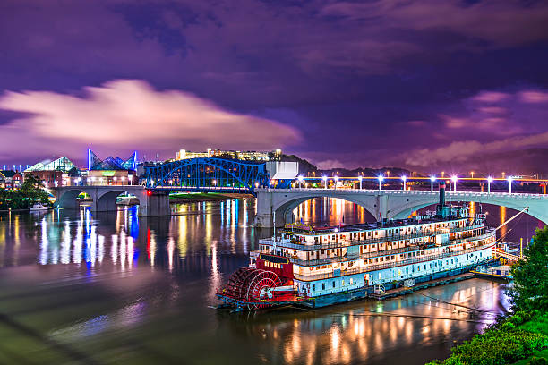 Chattanooga Tennessee Chattanooga, Tennessee, USA downtown over the Tennessee River. tennessee river stock pictures, royalty-free photos & images