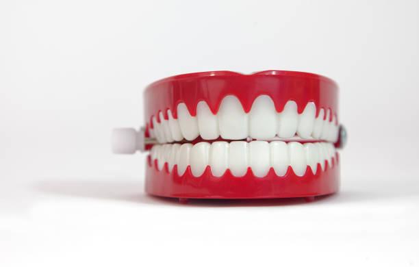 Claquant des dents nouveauté - Photo
