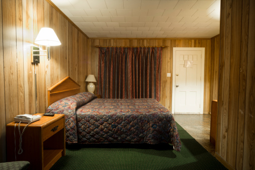 Tanie Motel Pokój Łóżko - zdjęcia stockowe i więcej obrazów Bez ludzi