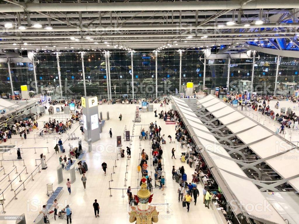 Entrada (zona P) en el aeropuerto de Suvarnabhumi - foto de stock