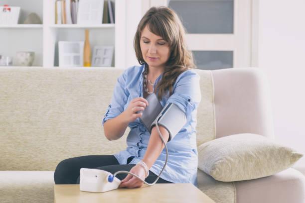 Blutdruckkontrolle zu Hause – Foto