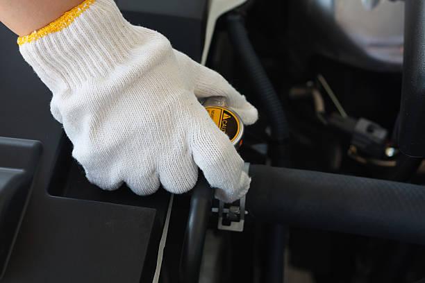 Vérification système de refroidisseur dans la voiture - Photo