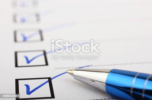 istock Checklist and pen 499000583