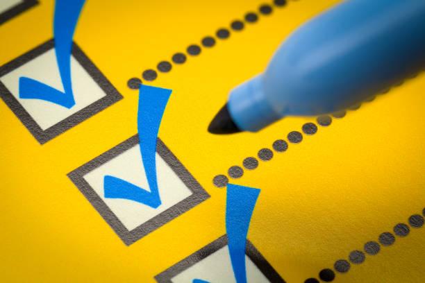 checklist close up - to do list foto e immagini stock