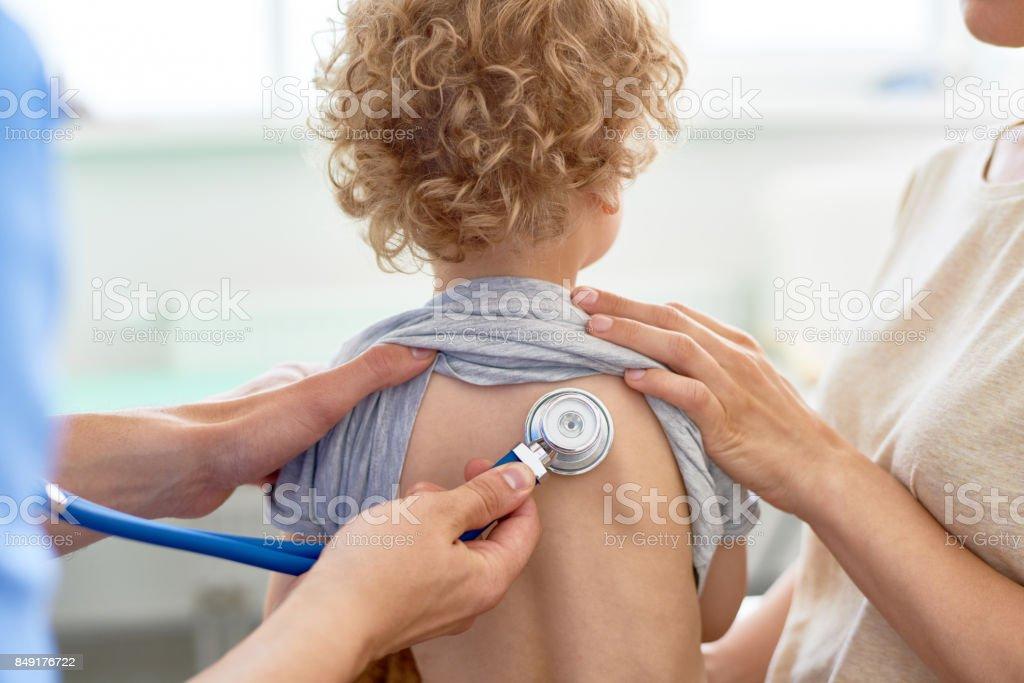 -Check-Up der kleinen Patienten – Foto