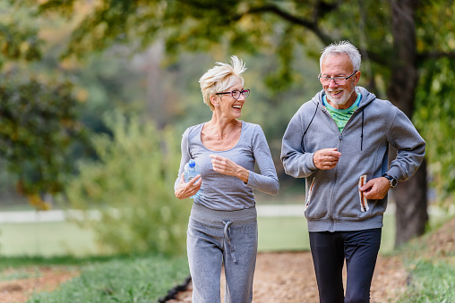 https://media.istockphoto.com/photos/cheerful-active-senior-couple-jogging-in-the-park-in-the-morning-picture-id1200131068?b=1&k=6&m=1200131068&s=170667a&w=0&h=pB5KDFMlJhJq57jWv6xu06SCpBOTKi_Fq-OndDuLZbg=