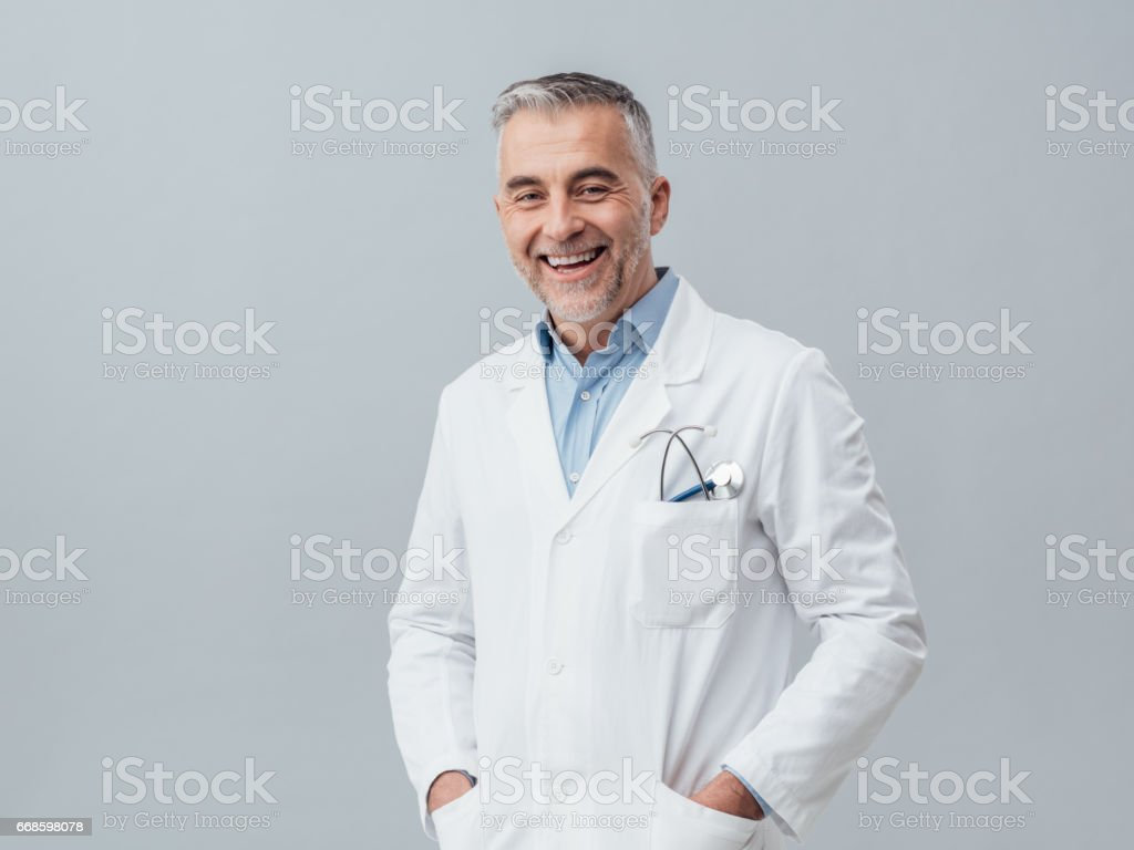 Cheerful doctor posing – Foto