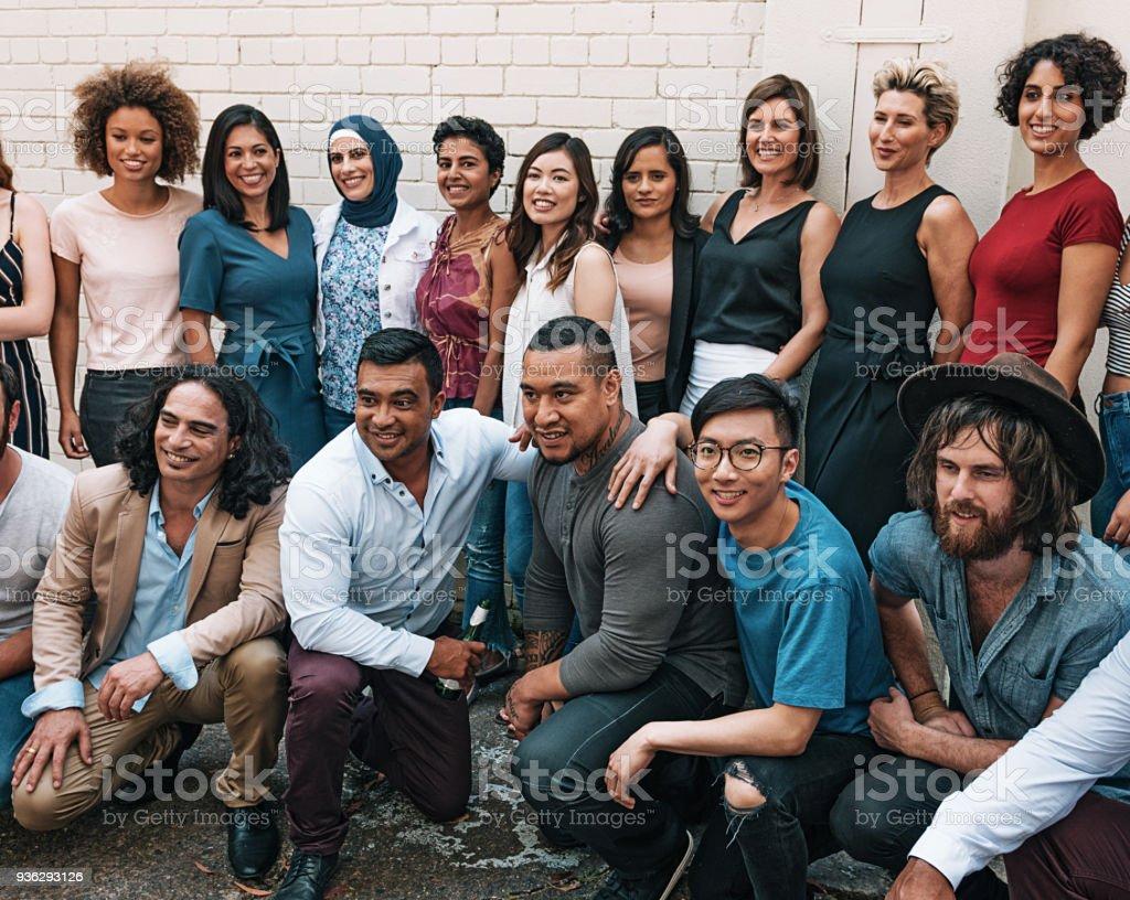 Fröhliche Gruppe von Menschen – Foto