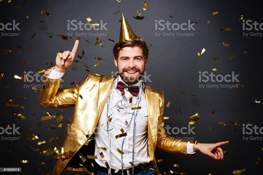 Gai homme ayant un amusement à parti - Photo