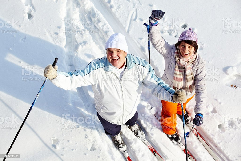 Fröhlich Skifahrer – Foto
