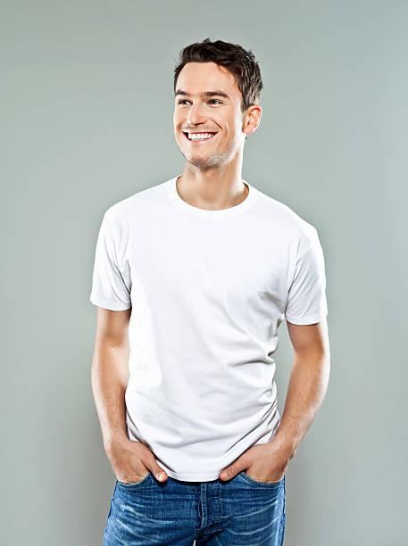 陽気な若い男性 - tシャツ ストックフォトと画像