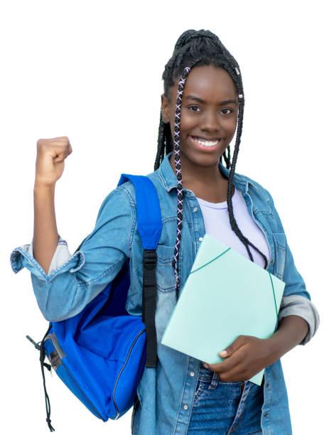 Animar a una estudiante africana con rastas - foto de stock