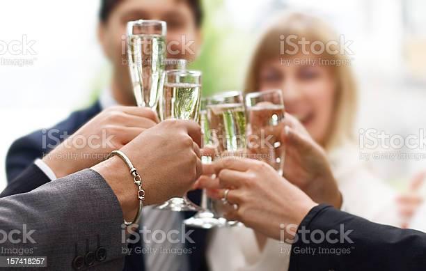 Cheers Stockfoto und mehr Bilder von Champagnerglas