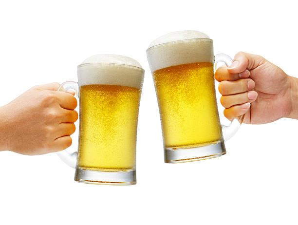 Brinda con cervezas XXXL - foto de stock