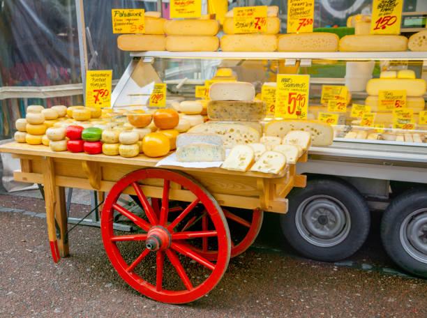 käs'im the market - günstig nach amsterdam stock-fotos und bilder