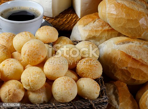 istock Cheese bread 628769238
