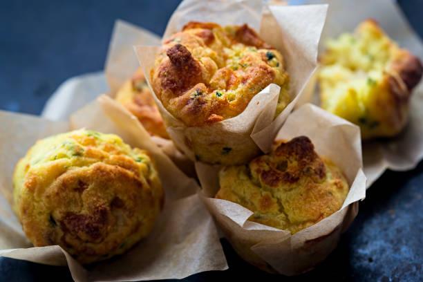 cheese onion mini muffin - muffin foto e immagini stock