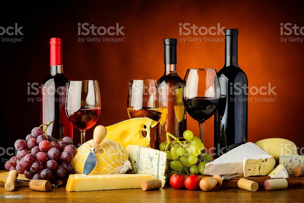 Käse, Wein und Trauben – Foto
