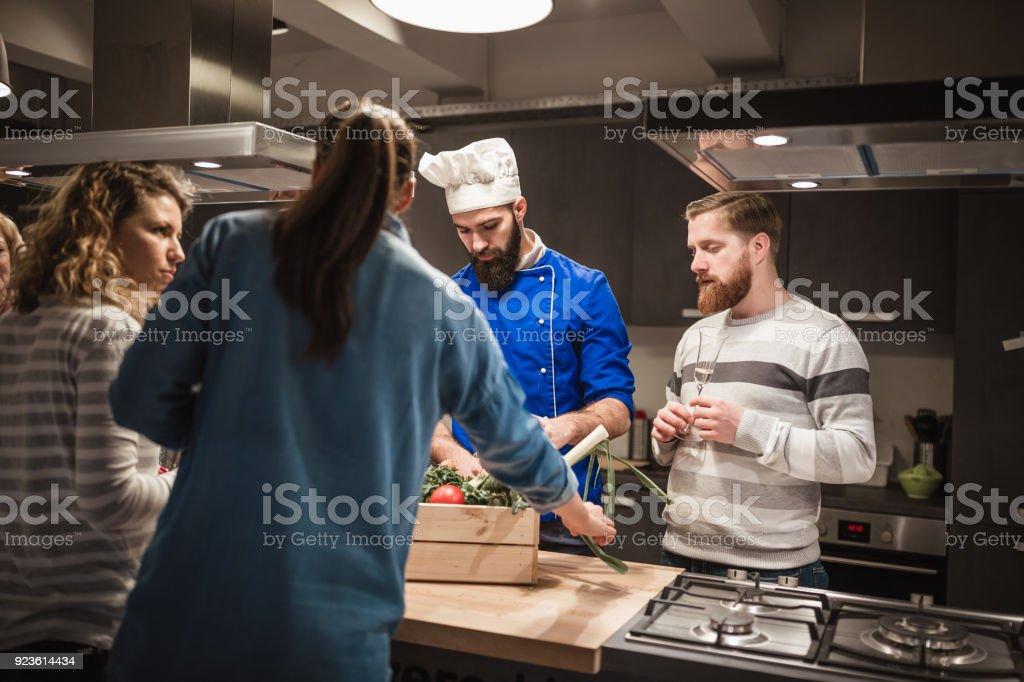 Photo Libre De Droit De Assister à Un Cours De Cuisine De Chef