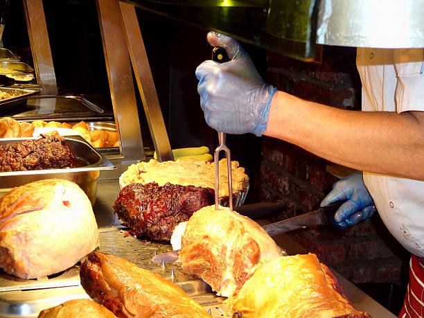 chef carving roast meat - tranchieren stock-fotos und bilder