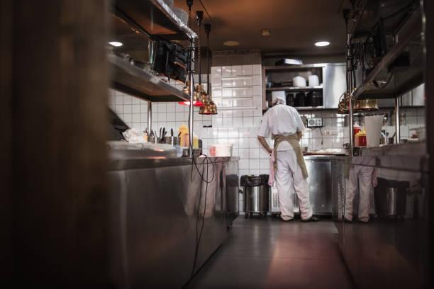 Kochin der modernen Küche in einem High-End-Restaurant – Foto