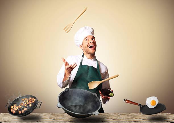 koch kochen  - küche italienisch gestalten stock-fotos und bilder