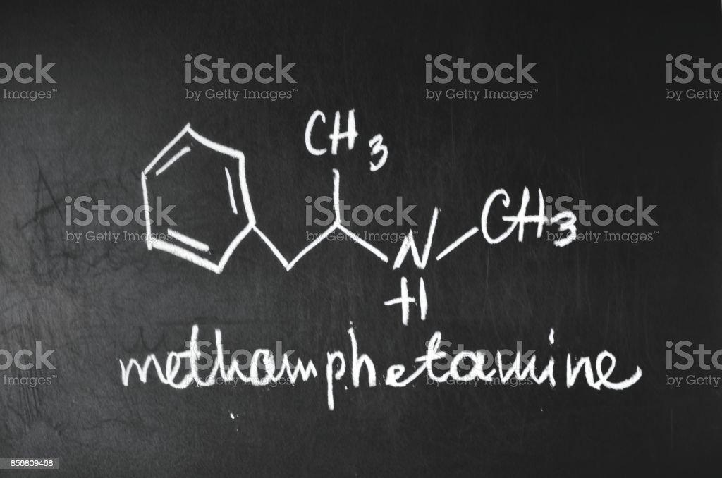 Fórmula química de la metanfetamina. - foto de stock