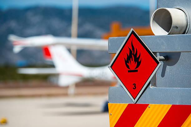 chemical hazard, flammable liquids. - airport pickup stockfoto's en -beelden