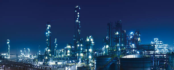 chemical & petrochemical plant, oil refinery - refinery stock photos and pictures