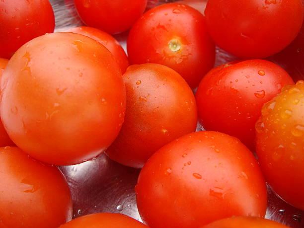 cherry tomatoes - fsachs78 stockfoto's en -beelden