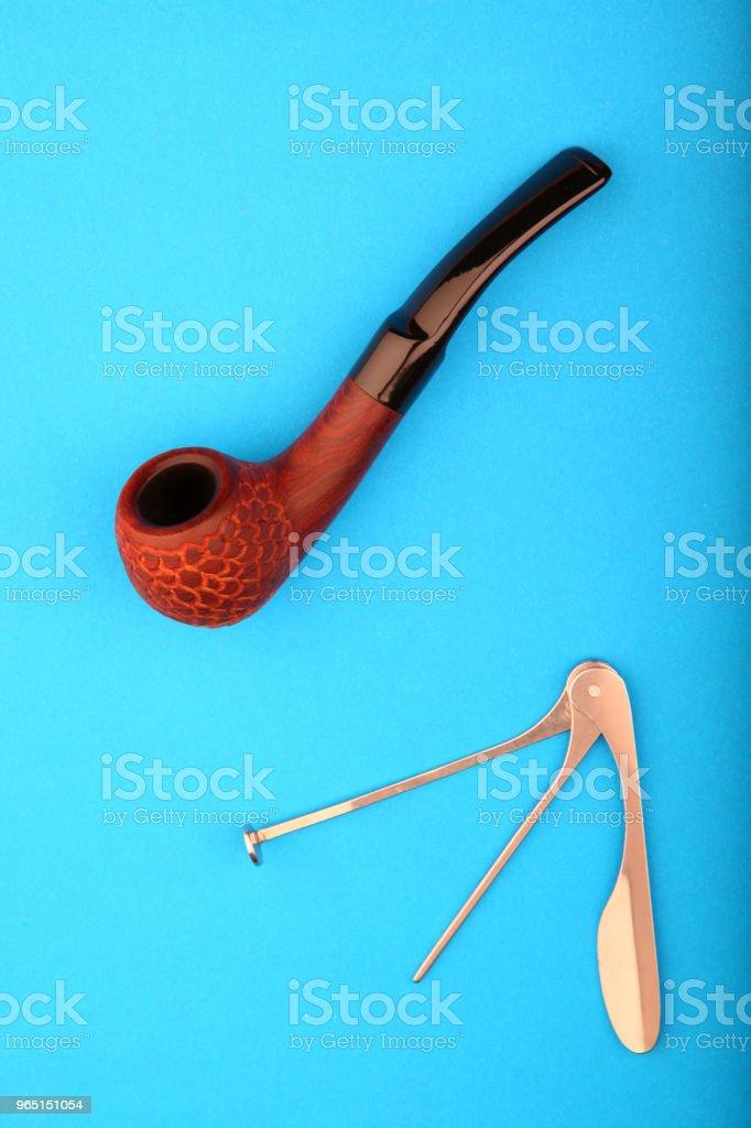 cherry wood smoking pipe zbiór zdjęć royalty-free