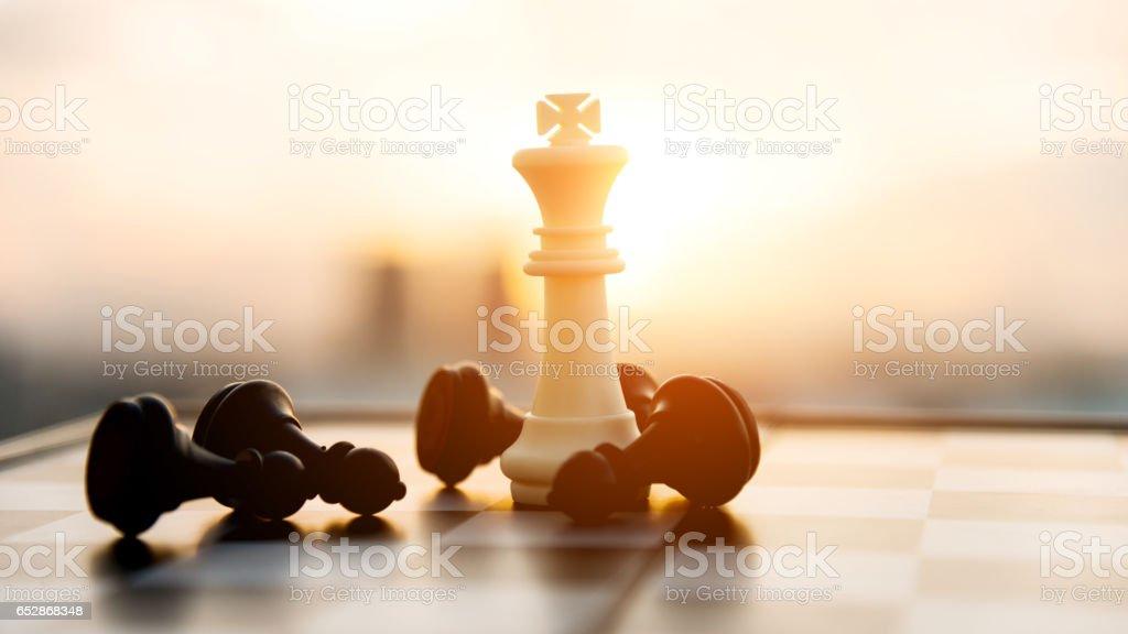 Schachbrett und die Elemente in Schach-Spiel – Foto