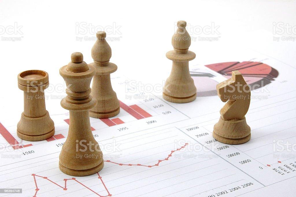 チェス男性のビジネス上のチャート - カラー画像のロイヤリティフリーストックフォト