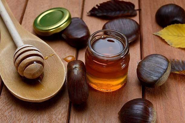 chestnut honig - kastanienhonig stock-fotos und bilder