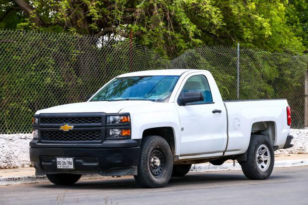 chevrolet cheyenne - pickup trucks stock-fotos und bilder