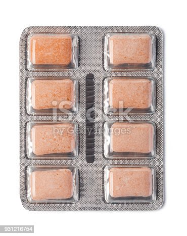 istock chewing gum 931216754