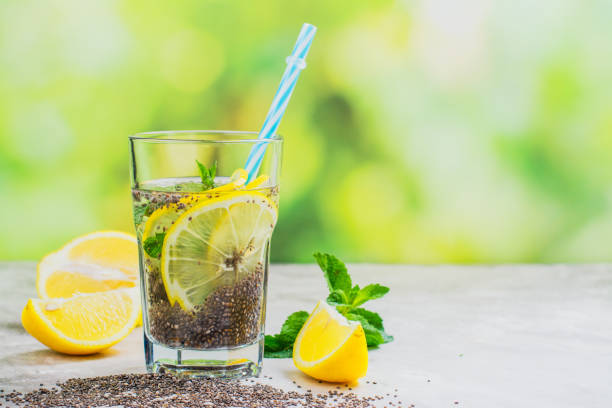 chia fresca drink with lemon and mint - chia imagens e fotografias de stock