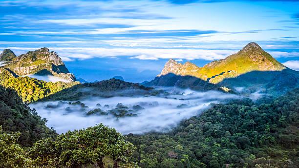 Chiang Dao Mountain, Chiang Mai, Thailand. – Foto