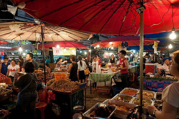 Chiang Mai night bazaar, Thailand  chiang mai province stock pictures, royalty-free photos & images