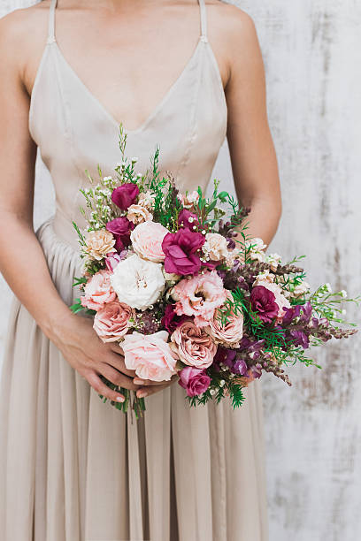 Chic wedding bouquet of peonies and roses in brides hands picture id637348274?b=1&k=6&m=637348274&s=612x612&w=0&h=ygqkstny4qb t5bxefehlkfh8vqwhdcnxlrzbnlngla=