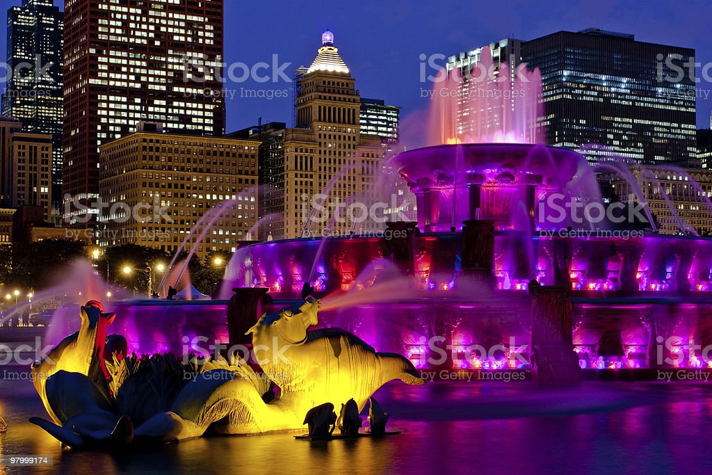 chicago buckingham fountain roxo foto royalty-free