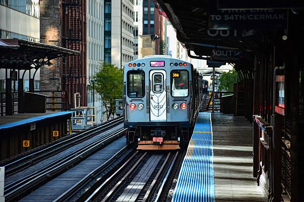 chicago cta treno - subway foto e immagini stock